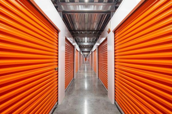 Public Storage - Huntington Park - 6911 S Alameda St 6911 S Alameda St Huntington Park, CA - Photo 1