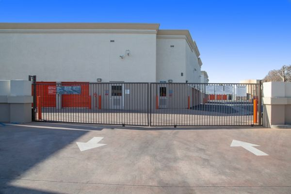 Public Storage - Pico Rivera - 8340 Washington Blvd 8340 Washington Blvd Pico Rivera, CA - Photo 3