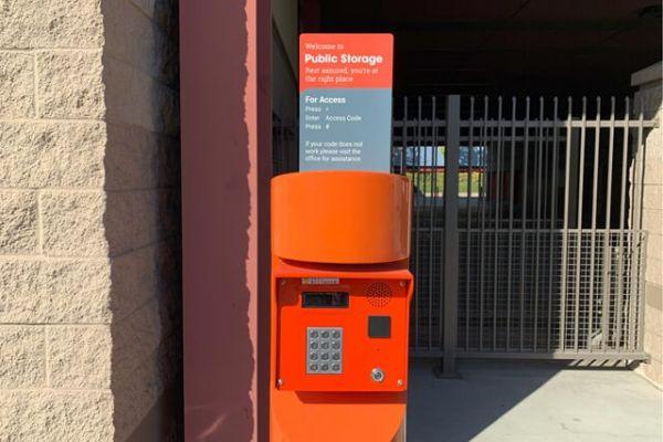 Public Storage - Burbank - 2240 N Hollywood Way 2240 N Hollywood Way Burbank, CA - Photo 4