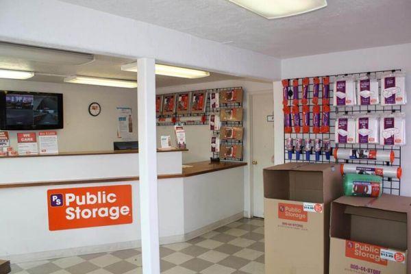 Public Storage - Salem - 280 Lancaster Dr NE 280 Lancaster Dr NE Salem, OR - Photo 2