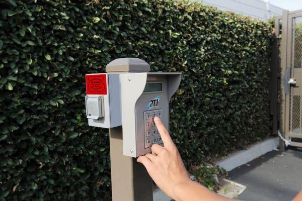 Public Storage - Anaheim - 130 S Knott Ave 130 S Knott Ave Anaheim, CA - Photo 4