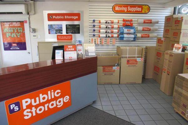 Public Storage - Seattle - 10821 Lake City Way NE 10821 Lake City Way NE Seattle, WA - Photo 2