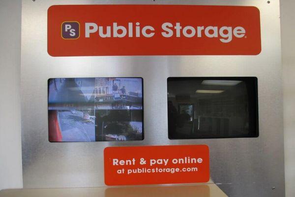 Public Storage - Seattle - 10821 Lake City Way NE 10821 Lake City Way NE Seattle, WA - Photo 3