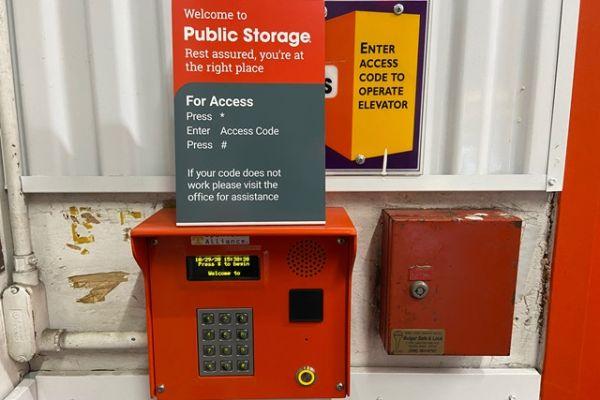 Public Storage - Seattle - 10821 Lake City Way NE 10821 Lake City Way NE Seattle, WA - Photo 4