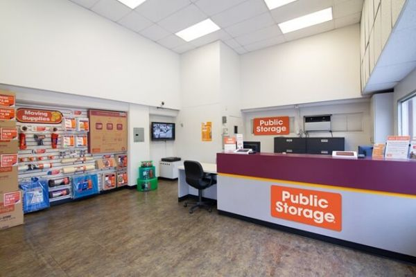 Public Storage - Los Angeles - 3611 W Washington Blvd 3611 W Washington Blvd Los Angeles, CA - Photo 2