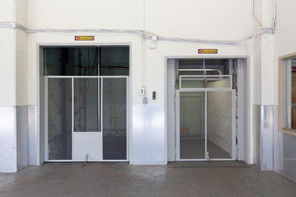 Public Storage - Los Angeles - 3611 W Washington Blvd 3611 W Washington Blvd Los Angeles, CA - Photo 3