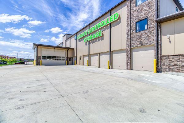 StorTropolis Self Storage - Tiffany Springs 6001 Northwest 88th Street Kansas City, MO - Photo 4