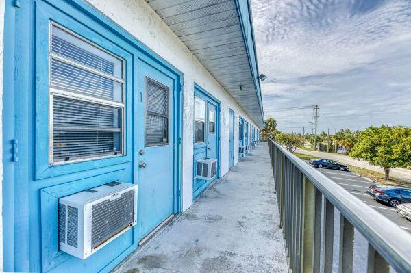 Jensen Beach Storage 3250 Northeast Candice Avenue Jensen Beach, FL - Photo 9