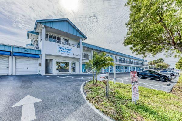 Jensen Beach Storage 3250 Northeast Candice Avenue Jensen Beach, FL - Photo 10