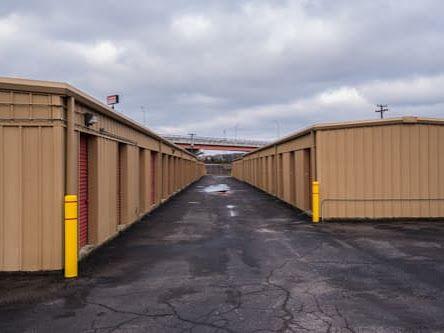Storage Rentals of America - Goodlettsville - Rivergate Parkway 719 Rivergate Parkway Goodlettsville, TN - Photo 2