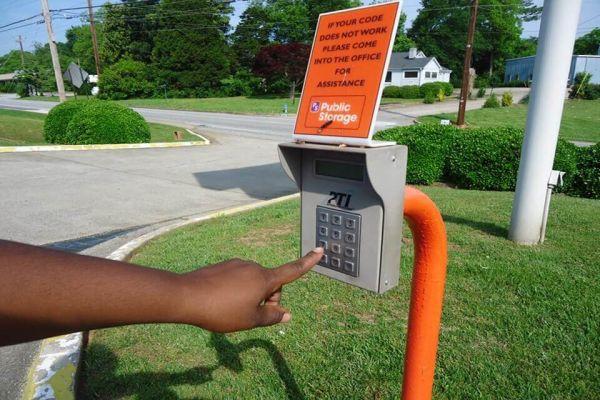 Public Storage - Smyrna - 1700 Roswell Street SE 1700 Roswell Street SE Smyrna, GA - Photo 4