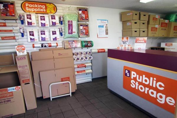 Public Storage - Greensboro - 5714 W Market St 5714 W Market St Greensboro, NC - Photo 2