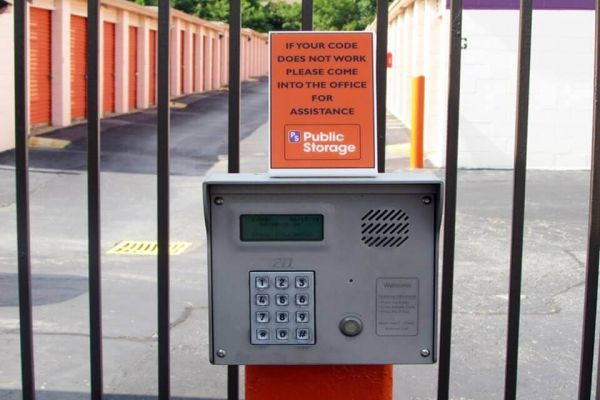 Public Storage - Greensboro - 5714 W Market St 5714 W Market St Greensboro, NC - Photo 4