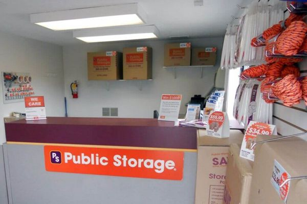 Public Storage - Akron - 1561 Brittain Road 1561 Brittain Road Akron, OH - Photo 2