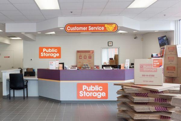 Public Storage - Raleigh - 6921 Glenwood Ave 6921 Glenwood Ave Raleigh, NC - Photo 2