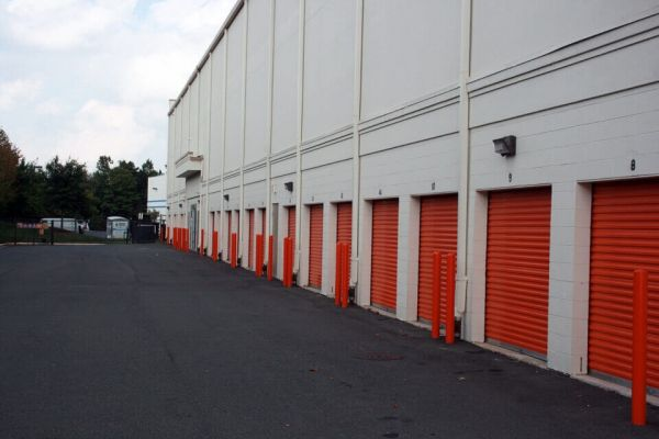 Public Storage - Chantilly - 3854 Dulles South Court 3854 Dulles South Court Chantilly, VA - Photo 1