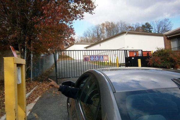 Public Storage - Germantown - 12423 Middlebrook Road 12423 Middlebrook Road Germantown, MD - Photo 4