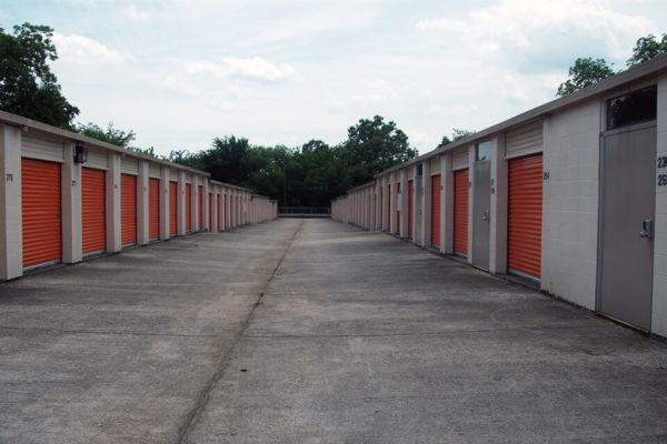 Public Storage - Birmingham - 209 Oxmoor Blvd 209 Oxmoor Blvd Birmingham, AL - Photo 1
