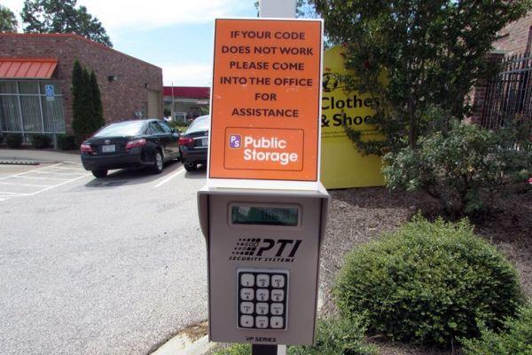 Public Storage - Lake Wylie - 4560 Charlotte Hwy 4560 Charlotte Hwy Lake Wylie, SC - Photo 4