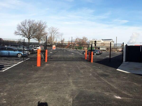 Public Storage - Woodside - 2401 Brooklyn Queens Expy 2401 Brooklyn Queens Expy Woodside, NY - Photo 3
