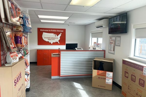 Public Storage - Richmond - 10110 Midlothian Tpke 10110 Midlothian Tpke Richmond, VA - Photo 2