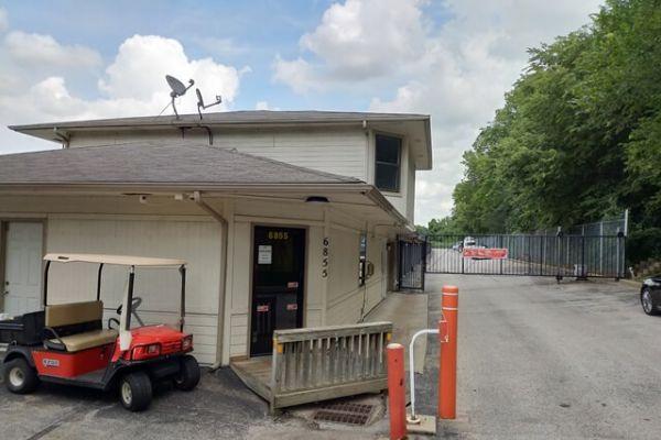 Public Storage - Shawnee - 6855 Hedge Lane Terrace 6855 Hedge Lane Terrace Shawnee, KS - Photo 0
