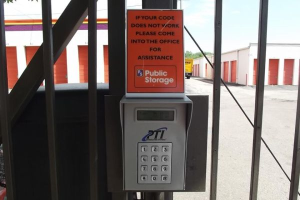 Public Storage - Lakewood - 7701 W 6th Ave 7701 W 6th Ave Lakewood, CO - Photo 4