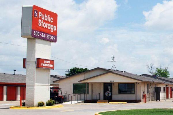 Public Storage - Oklahoma City - 8012 S Santa Fe 8012 S Santa Fe Oklahoma City, OK - Photo 0