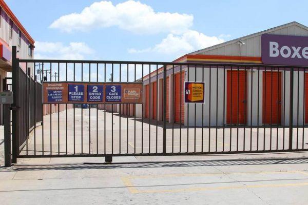 Public Storage - Oklahoma City - 8012 S Santa Fe 8012 S Santa Fe Oklahoma City, OK - Photo 3