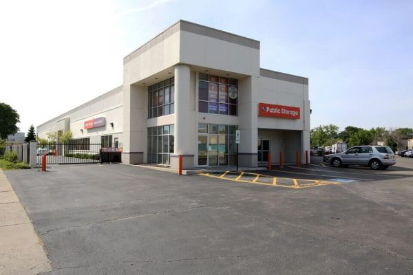 Public Storage - Lincolnwood - 6460 N Lincoln Ave 6460 N Lincoln Ave Lincolnwood, IL - Photo 0