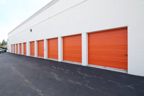 Public Storage - Lincolnwood - 6460 N Lincoln Ave 6460 N Lincoln Ave Lincolnwood, IL - Photo 1