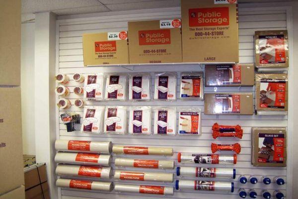 Public Storage - St Louis - 1550 North Lindbergh Blvd 1550 North Lindbergh Blvd St Louis, MO - Photo 2
