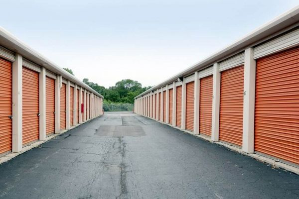 Public Storage - Markham - 3835 W 159th Place 3835 W 159th Place Markham, IL - Photo 1
