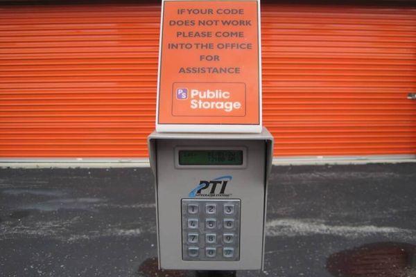 Public Storage - Milwaukee - 6049 N 77th Street 6049 N 77th Street Milwaukee, WI - Photo 4