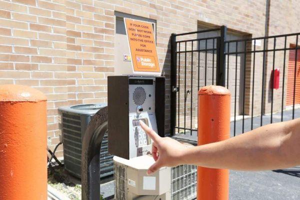 Public Storage - Elgin - 830 Steel St 830 Steel St Elgin, IL - Photo 4