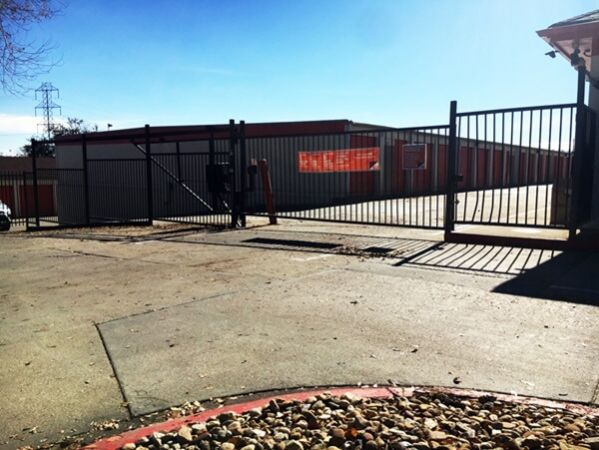 Public Storage - Englewood - 4550 S Federal Blvd 4550 S Federal Blvd Englewood, CO - Photo 3