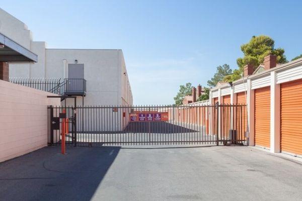 Public Storage - Las Vegas - 5925 W Flamingo Rd 5925 W Flamingo Rd Las Vegas, NV - Photo 3