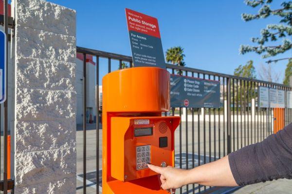 Public Storage - Burbank - 7521 N San Fernando Rd 7521 N San Fernando Rd Burbank, CA - Photo 4