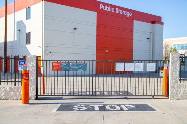 Public Storage - Burbank - 7521 N San Fernando Rd 7521 N San Fernando Rd Burbank, CA - Photo 3
