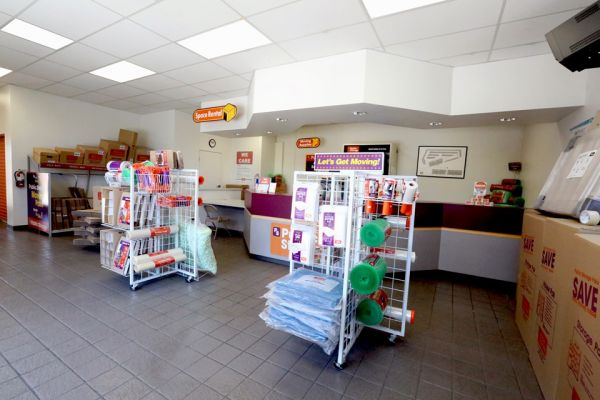 Public Storage - Lake Forest - 20292 Cooks Bay Drive 20292 Cooks Bay Drive Lake Forest, CA - Photo 2