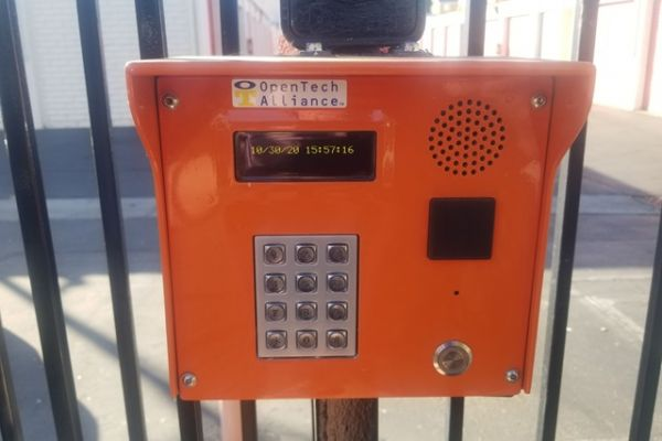 Public Storage - Oakland - 1551 MacArthur Blvd 1551 MacArthur Blvd Oakland, CA - Photo 4