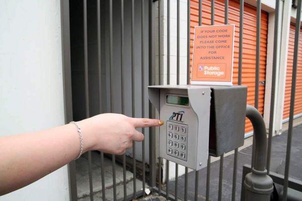 Public Storage - Whittier - 12320 E Whittier Blvd 12320 E Whittier Blvd Whittier, CA - Photo 4