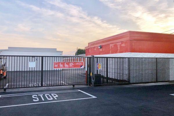 Public Storage - Torrance - 4460 Del Amo Blvd 4460 Del Amo Blvd Torrance, CA - Photo 3