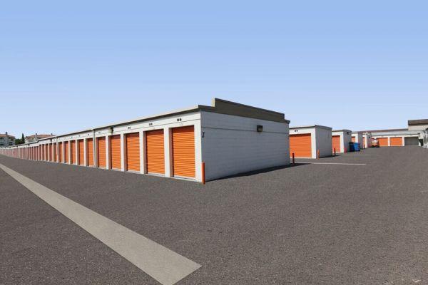 Public Storage - Torrance - 4460 Del Amo Blvd 4460 Del Amo Blvd Torrance, CA - Photo 1