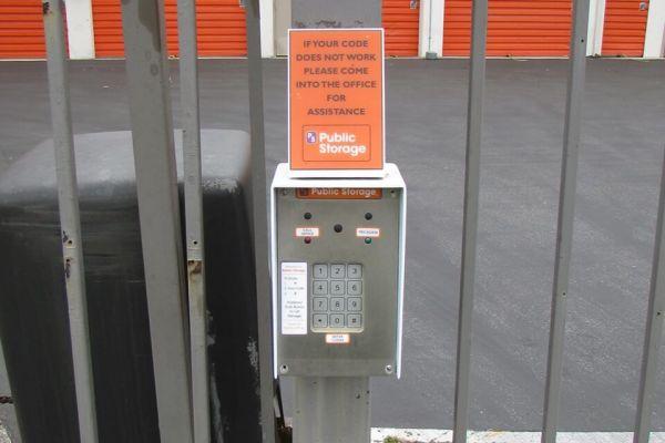 Public Storage - Del Rey Oaks - 200 Calle Del Oaks 200 Calle Del Oaks Del Rey Oaks, CA - Photo 4