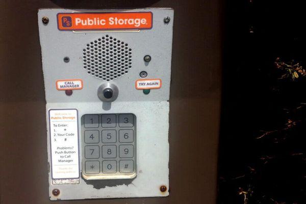 Public Storage - Hillsboro - 3075 SE TV Hwy 3075 SE TV Hwy Hillsboro, OR - Photo 4