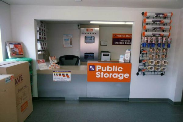Public Storage - Tracy - 400 W Larch Road 400 W Larch Road Tracy, CA - Photo 2