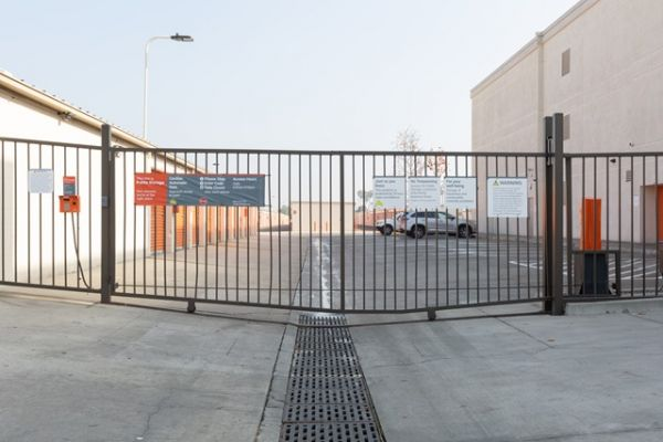 Public Storage - Long Beach - 4140 Cherry Ave 4140 Cherry Ave Long Beach, CA - Photo 3