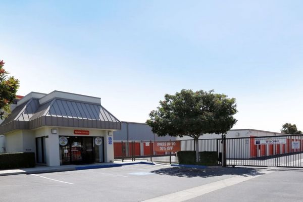 Public Storage - Ventura - 4400 McGrath St 4400 McGrath St Ventura, CA - Photo 0