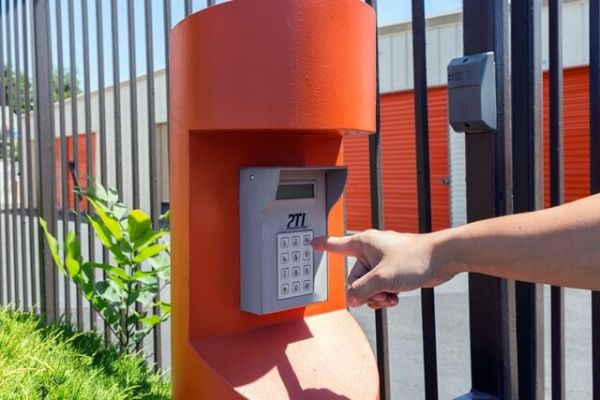 Public Storage - Sacramento - 3300 Northgate Blvd 3300 Northgate Blvd Sacramento, CA - Photo 4